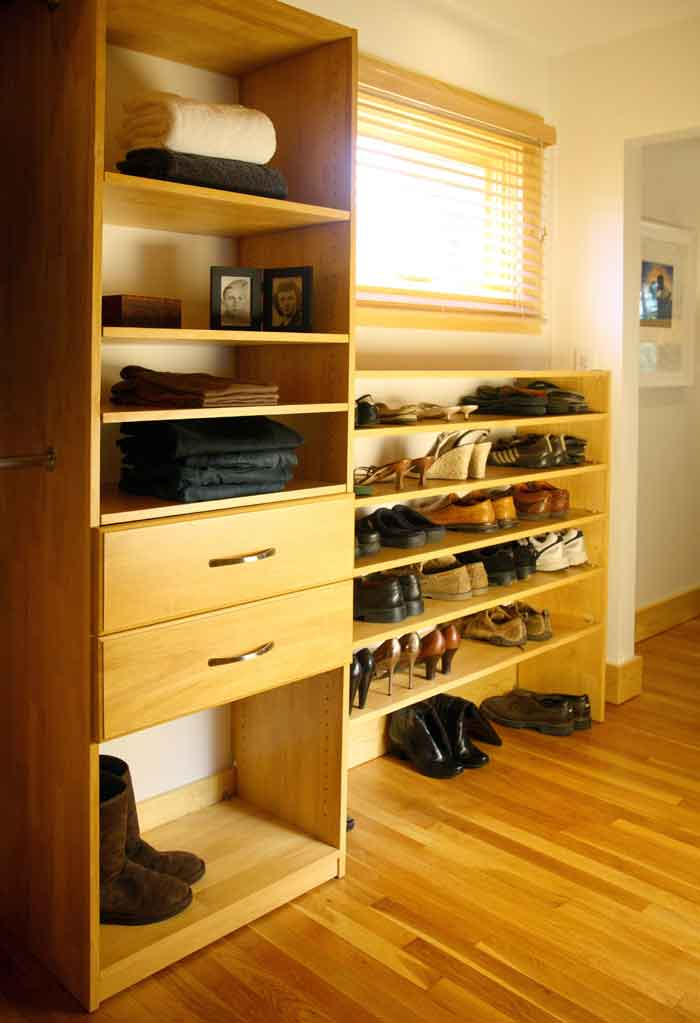 Walk-in Maple Spice Closet