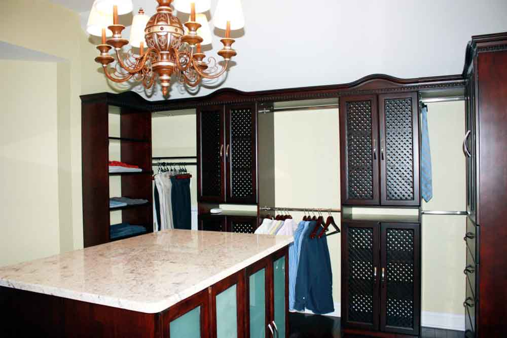 Closet System with Island